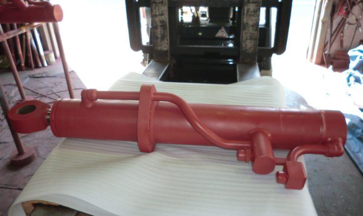重機用油圧シリンダー